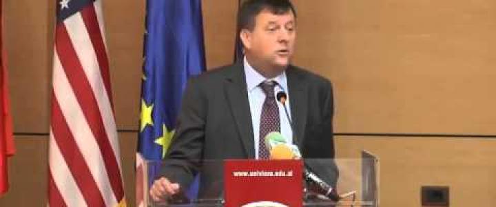 Çështjet kushtetuese të Reformës në drejtësi konsultohen në Vlorë